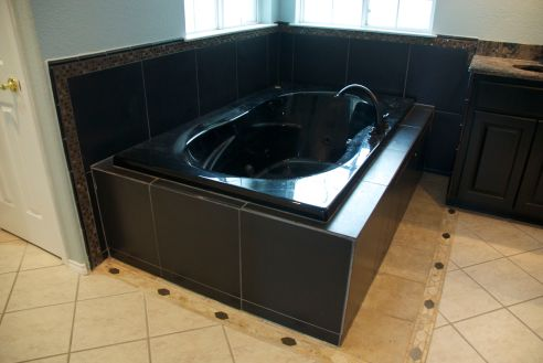 Black beauty (the ginormous jetted tub)